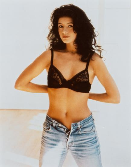 Full Body Catherine Zeta Jones