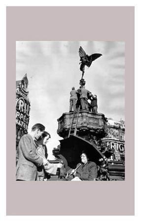London Piccadilly, Eros Fountain, October 1950