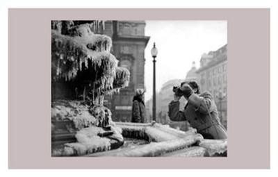 Frozen Fountain in Winter, Piccadilly Circus, 1956