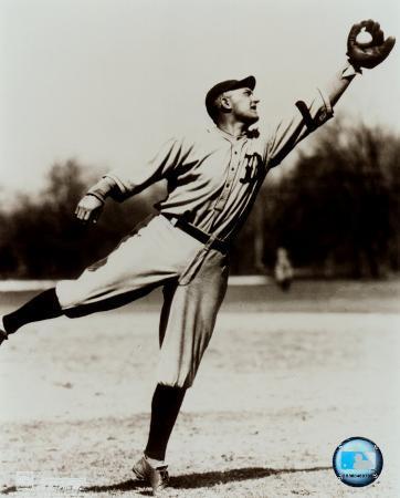 Ty Cobb - Fielding, sepia