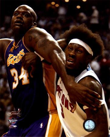 Ben Wallace& Shaquille O'Neal - '04 Finals Action