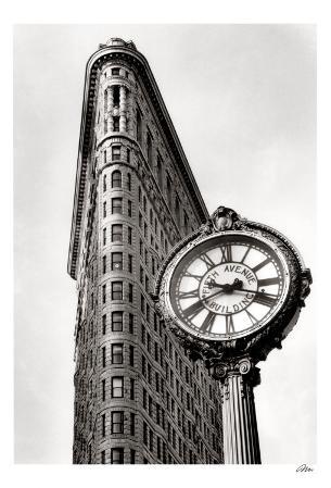 5th Avenue Clock