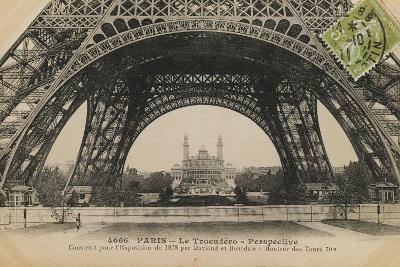 La Base de la Tour Eiffel