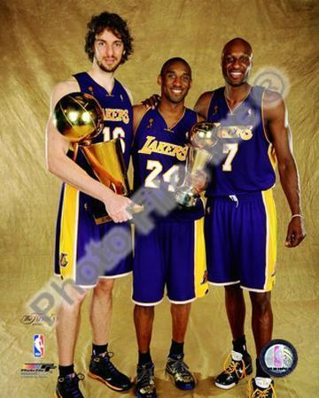 Pau Gasol, Kobe Bryant, & Lamar Odom Game 5 - 2009 NBA Finals With Championship Trophy (#31)