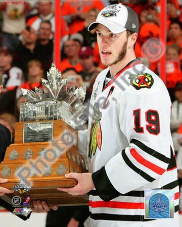 Jonathan Toews with the 2010 Conn Smythe Trophy