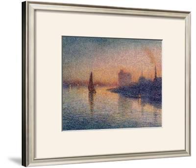 Sailing River Thames