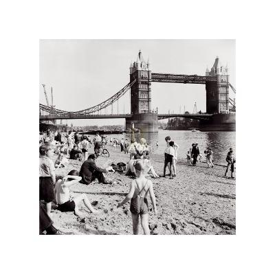 Londoners Relax on Tower Beach, c.1952