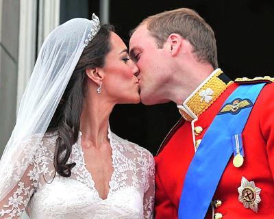 Royal Wedding - Prince William and Kate Middleton - The Kiss