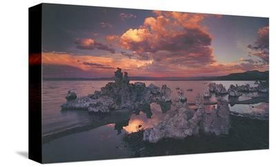 Tufas in Mono Lake, California
