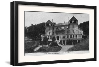 Exterior View of Hotel Bon Air in Escalle - Marin County, CA