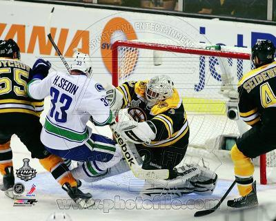Tim Thomas Game 3 of the 2011 NHL Stanley Cup Finals Action(#20)