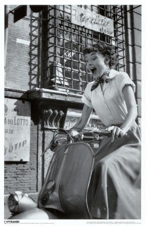 Audrey Hepburn - Vespa