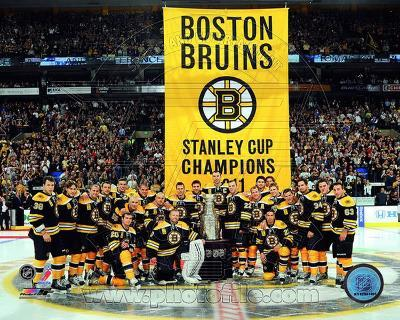 The Boston Bruins raise their 2011 Stanley Cup Chapionship Banner