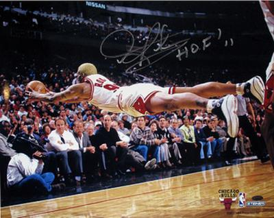 """Dennis Rodman """"HOF 11"""" Chicago Bulls Dive For Loose Ball Autographed Photo (H& Signed Collectable)"""