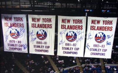 NY Islanders Stanley Cup Banners In the Rafters 14 Signature