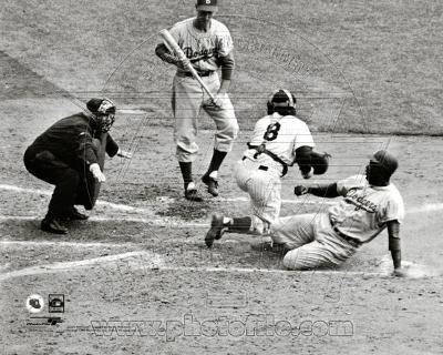 MLB Jackie Robinson steals home during the 1955 World Series