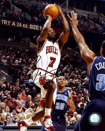 Ben Gordon Chicago Bulls -vs Utah- Autographed Photo (Hand Signed Collectable)