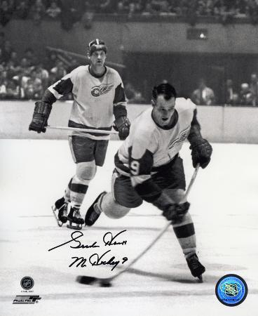 Gordie Howe Detroit Red Wings B&W with Mr. Hockey 9  Autographed Photo (Hand Signed Collectable)