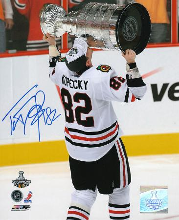 Tomas Kopecky Chicago Blackhawks 2010 Stanley Cup Autographed Photo (Hand Signed Collectable)