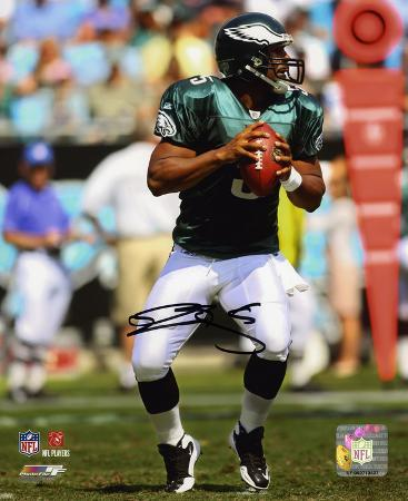 Donovan McNabb Philadelphia Eagles - Hands on Ball Autographed Photo (Hand Signed Collectable)