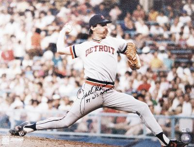 Jack Morris Detroit Tigers with 84 WS Champs  Autographed Photo (Hand Signed Collectable)