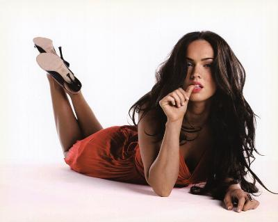 Megan Fox (Lying Down) Glossy Movie Photo Photograph Print