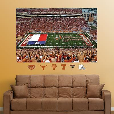 Texas Darrell K. Royal Stadium mural – Texas Flag