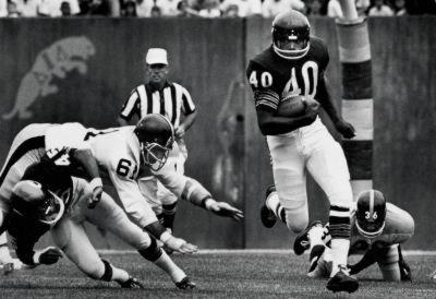 Gale Sayers Archival Sports Photo Poster