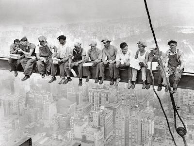 Lunch Atop Skyscraper, Rockefeller Center, 1932