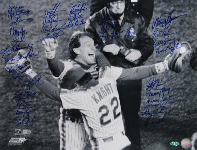 NY Mets 1986 Team Signed Knight Hugging Carter Autographed Photo (Hand Signed Collectable)