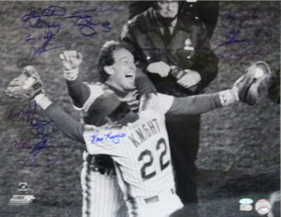 1986 Mets Multi Signed of Knight Hugging Carter Autographed Photo (Hand Signed Collectable)