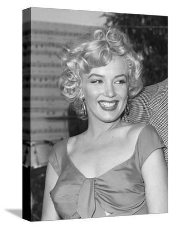 Marilyn Niagara Party