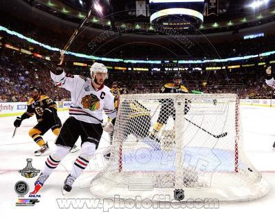 Jonathan Toews goal celebration Game 6 of the 2013 Stanley Cup Finals