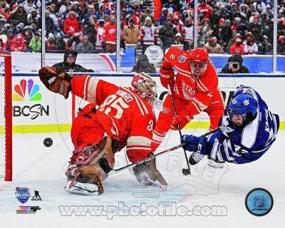 Jimmy Howard & Nazem Kadri 2014 NHL Winter Classic Action