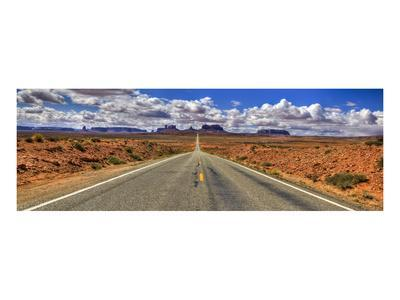 Highway to Monument Valley AZ