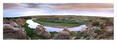 A bend in the Milk River, Writing-on-stone Provincial Park, Alberta, Canada