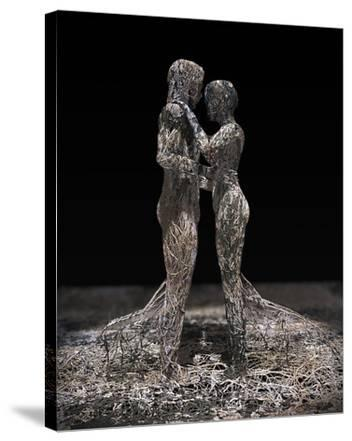 3D Wire Made Couple