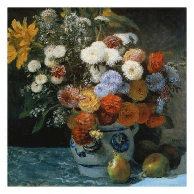 Fleurs dans un pot en faïance