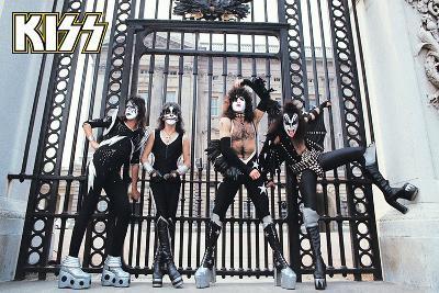 Kiss- At the Gates