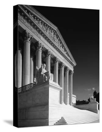 U.S. Supreme Court building, Washington, D.C. - B&W