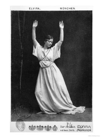 Isadora Duncan circa 1903-04