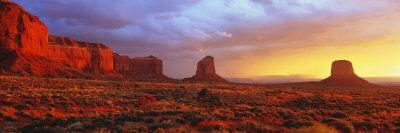 Sunrise, Monument Valley, Arizona, USA