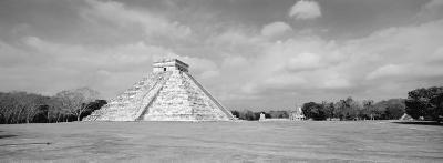 El Castillo Pyramid, Chichen Itza, Yucatan, Mexico