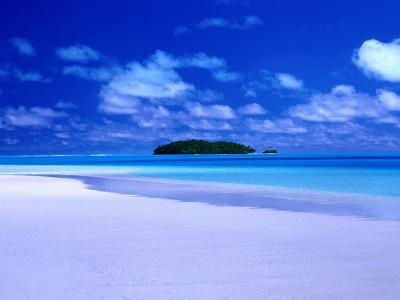 Small Island Across the Waters of Aitutaki Lagoon, Aitutaki, Southern Group, Cook Islands