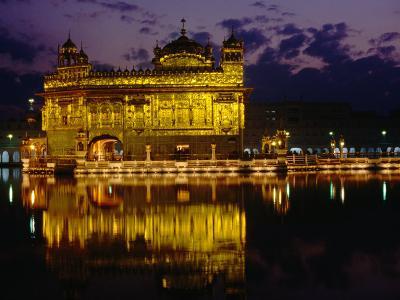 Golden Temple (Harmandir Sahib) on Waterfront, Amritsar, Punjab, India