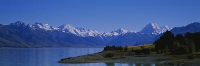 Lake in Front of a Mountain Range, Lake Pukaki, Mt. Cook, Southern Alps, New Zealand