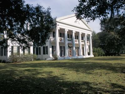 Madewood Plantation House, on the Lafourche Bayou, Mississippi, Louisiana