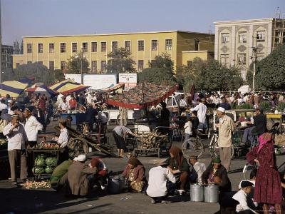 Night Market, Id Kah Square, Kashgar (Kashi), Chinese Turkestan, China