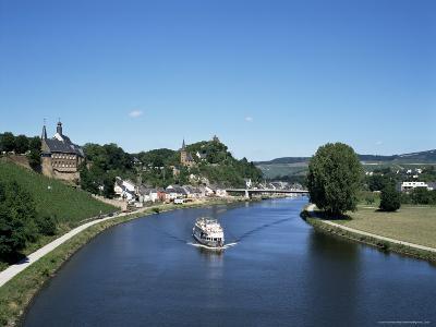 Old Town and River Saar, Saarburg, Rheinland-Pfalz (Rhineland Palatinate), Germany