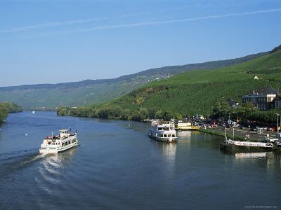 Mosel River Valley Near Bernkastel-Kues, Rheinland-Pfalz, Germany